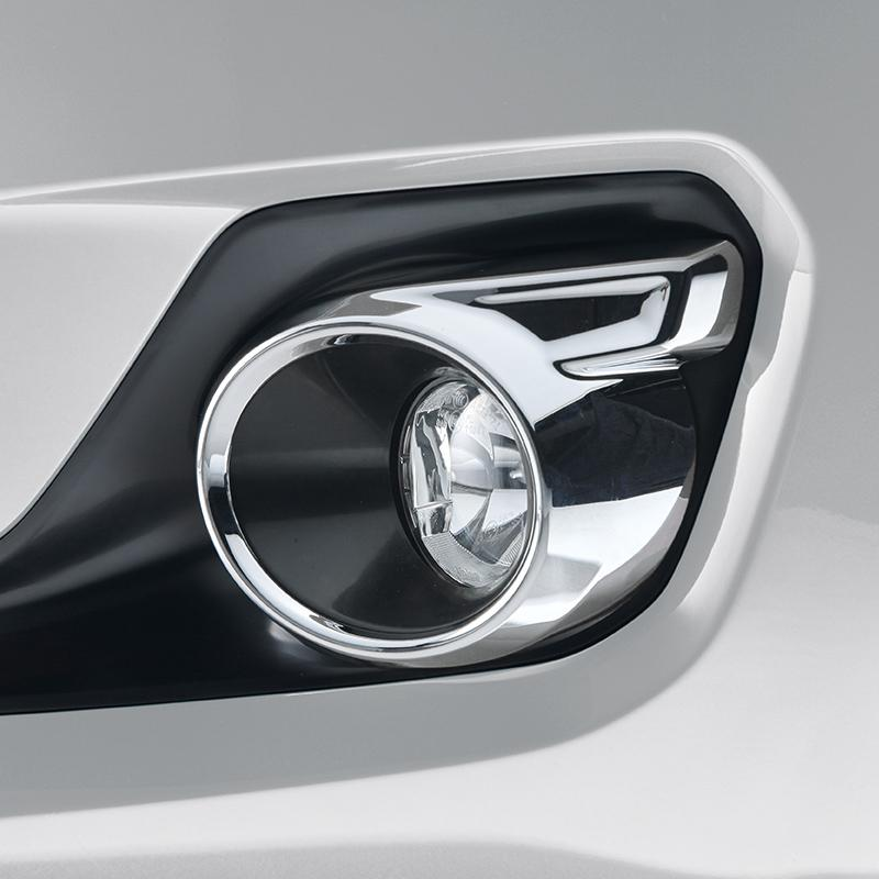 Chromed Fog Lamp Surround - New Swift SZ5 06/17>
